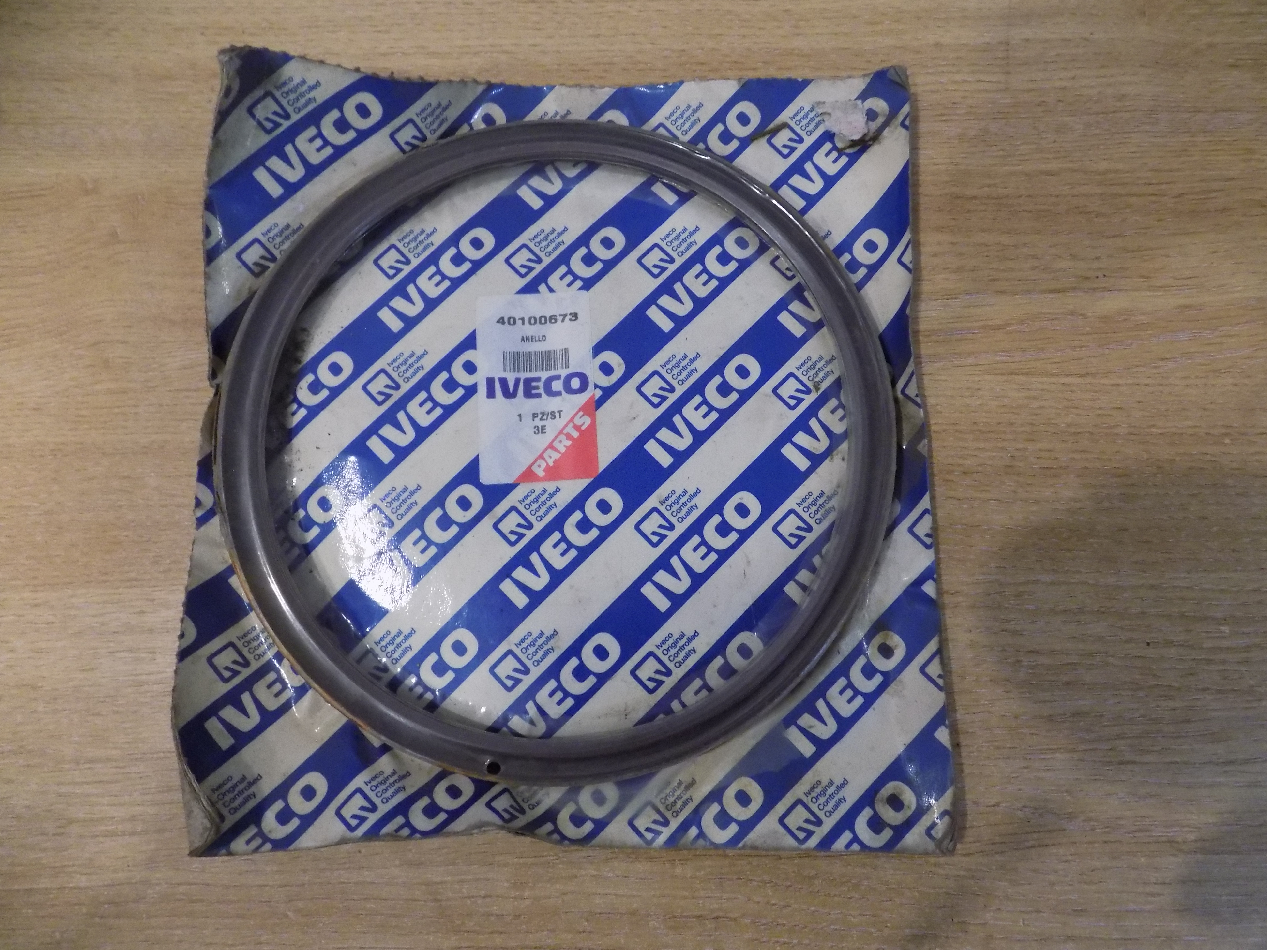 Truck Parts - Iveco shaft seal